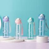 550ML卡通熊兔派对弹跳盖塑料杯带茶隔便携手提杯子